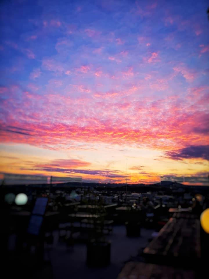 Summer Vibes w/ DJ Oli Roventa